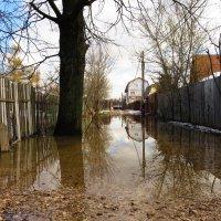 Затопленная улица :: Андрей Снегерёв
