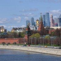 Москва рвётся к небесам. :: Алекс Ант