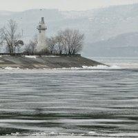 Маяк на Куйбышевском водохранилище :: Raduzka (Надежда Веркина)