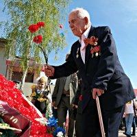 Как мало их осталось, живых свидетелей тех битв... :: Андрей Заломленков