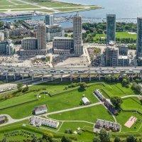 Исторический Форт Йорк (1793 г.) и новостройки в центре Торонто :: Юрий Поляков