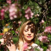 Портрет в цветах :: Марина Теплицкая