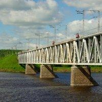 Железнодорожный мост через Волгу в Костроме :: Сергей Моченов