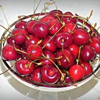 Про черешенку июньскую... :: Андрей Заломленков