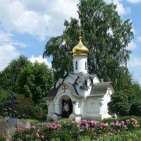 Часовня Сошествия Святого Духа в Борисоглебском Дмитровском монастыре :: Лидия Бусурина