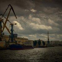 Южный речной порт :: Владимир Барышев