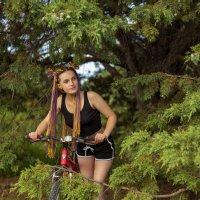 Девушка с косичками :: Геннадий Б