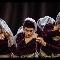 Танец :: SanSan