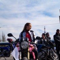 мотоциклистка Маша с другого ракурса :: Влад