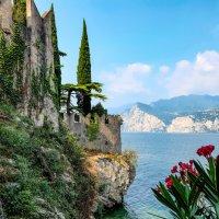 Италия. Озеро Гарда. Мальчезине. :: Надежда Лаптева