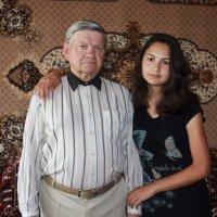 дедушка и внучка :: Сергей Кочнев