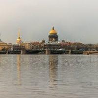 Дворцовый мост. Адмиралтейство. Исаакий. :: веселов михаил
