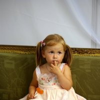 Малыш на диване :: Дмитрий Сушкин