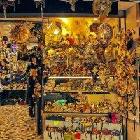 Венеция готовится к карновалу. Бутик сувениров :: Аркадий Беляков