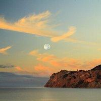 Лунное утро :: Геннадий Валеев