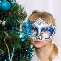 Новый Год стучится в двери :: Татьяна Абдурахманова