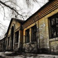Дом с привидениями. :: Александр Афромеев