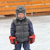 Я не хоккеист, это меня бабушка одевала :: Дмитрий Сушкин