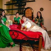 Невеста с подружками :: Валерий Славников