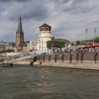 Старый город Дюссельдорф :: Witalij Loewin
