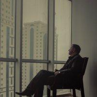 У окна 21 :: Сахаб Шамилов