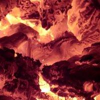 Дрова горят... :: Владимир Павлов