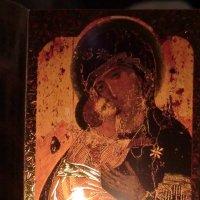 Икона и свеча... :: Владимир Павлов