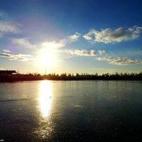 Лёд на озере :: Александр Лиманский