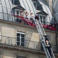 Евроинтеграция - хохлушки в Париже 1 :: Александр Беляков