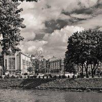 Харьков, вид на Павловскую площадь :: Виктория Стремовская