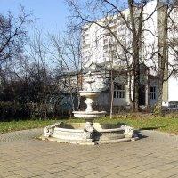 Фонтан на Кузьминской улице :: Сергей Мягченков