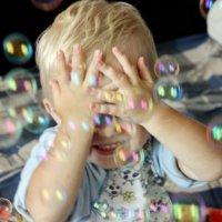 сын и пузыри :: Анна Бушуева