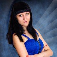 Девушка в синем :: Алиса Кондрашова
