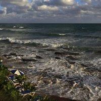 неспокойно синее море :: Наталья Курманалиева