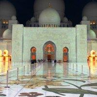 Белая мечеть шейха Заида :: Рустам Илалов