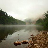 Гора в тумане. :: Владимир