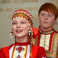 У нее коса пшеничная, родниковые глаза... :: Дарья Казбанова