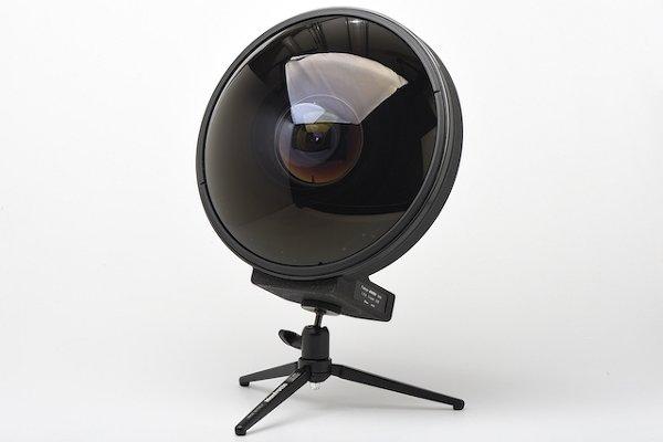 Nikkor 6 мм F/2.8 - фото объектив который может видеть позади себя