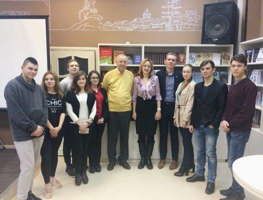 19.12.2017 Встреча с поэтом Александром Гладковым