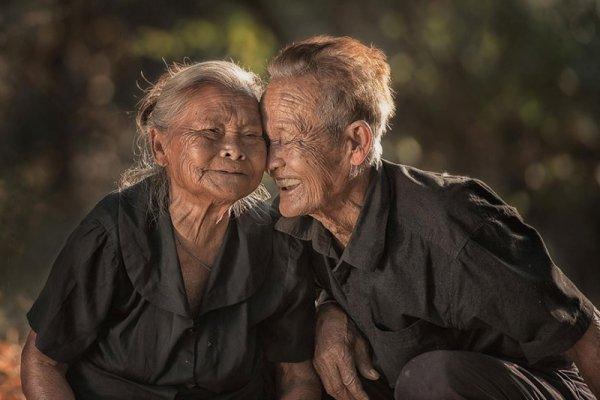 Счастливая пара, Таиланд  - Эмоции людей