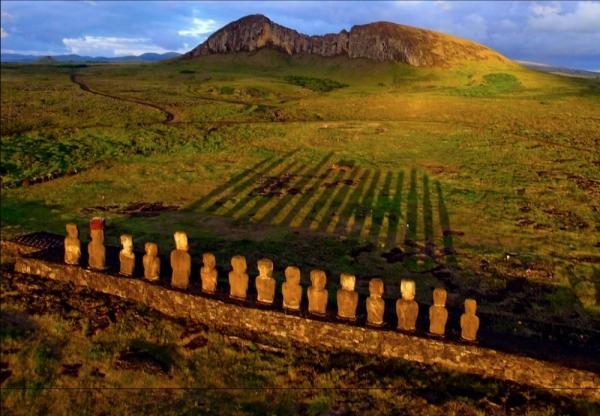 самые захватывающие места в мире - Восход солнца на острове Пасхи