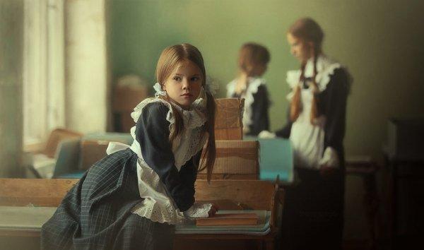 """""""Школьная пора"""" - автор: Надежда Шибина"""