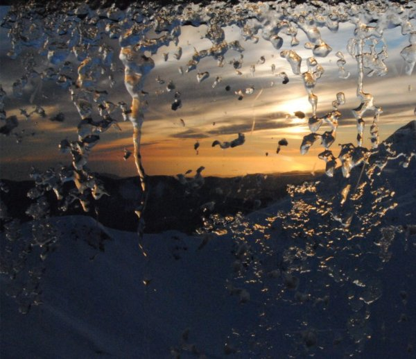 водяные узоры под солнцем