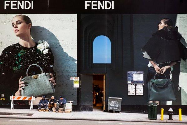 рекламные щиты на улице фото 3