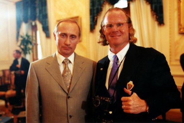 Владимир Путин (Vladimir Putin) и Питер Тернли (Peter Turnley) в Кремле , 2000