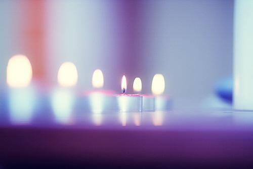 свет свечи на фото с композицией
