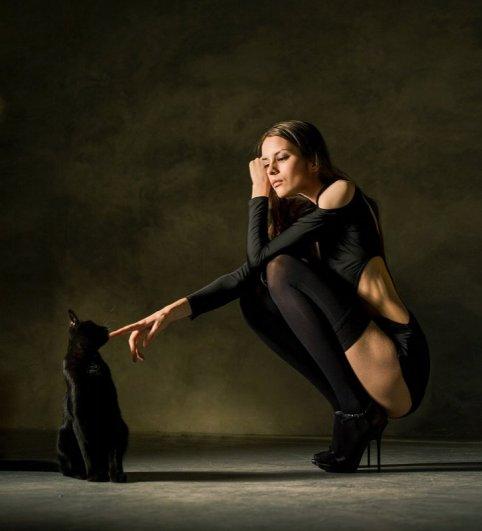 Юля с котом. Автор: Павел Киселев