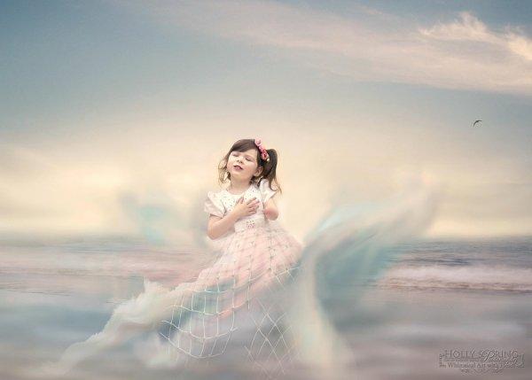 фото девочки-инвалида в воде