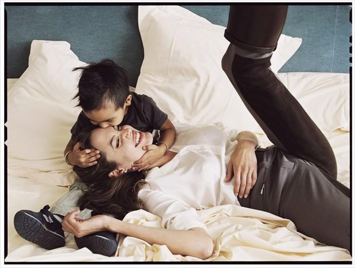 Анджелина Джоли и Мэддокс. Фото Энни Лейбовиц