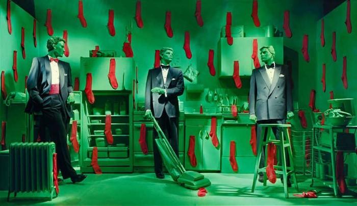 Баланс между фантазией и реальностью от фотографа Sandy Skoglund - №10